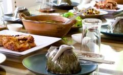 Restaurant Food Table Settings
